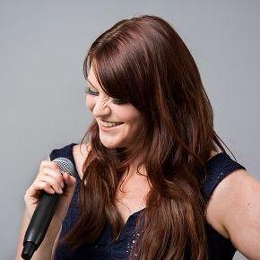 Cat Nicole Soul Singer