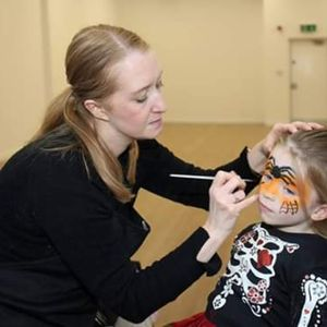 Fab-u-lous Faces Face Painter
