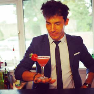 Hire a Private Bartender Cocktail Master Class