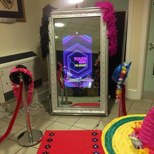 Spectacular Selfies Photo Booth