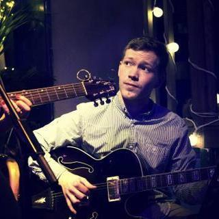 Thomas McConville Guitarist