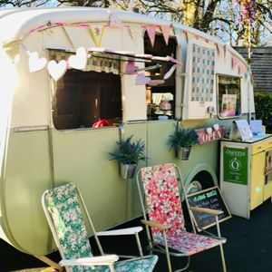 Vintage Doris - cafe caravan Coffee Bar