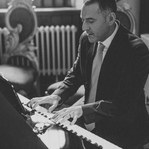 Bryan Edery Pianist