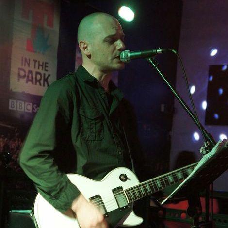 Philip Anthony Singing Guitarist