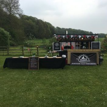 Dorset Wood Fired Pizza Wedding Catering