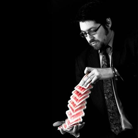 Simon Jacobs - Magician, part of Joker in the Pack Productions Table Magician
