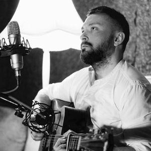 J.R. Hemingway Live Solo Singer