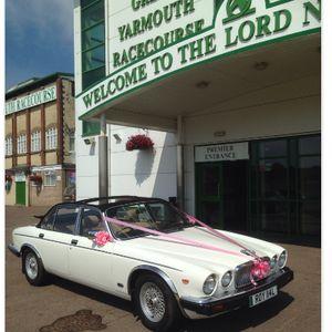 Target Wedding Cars Vintage & Classic Wedding Car