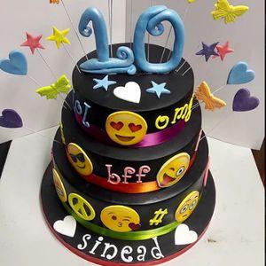 Olivia's Cakes Cupcake Maker