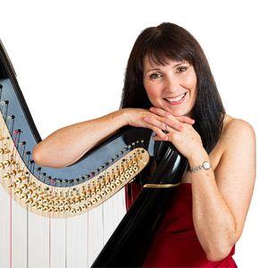 Oona Linnett Harpist Harpist