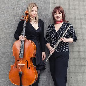 Andela Duo Cellist