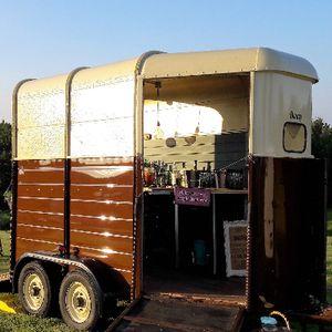 Henny's Vintage Caravan and Vintage Horsebox Mobile bar Catering
