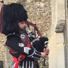 ESSEX PIPER Bagpiper