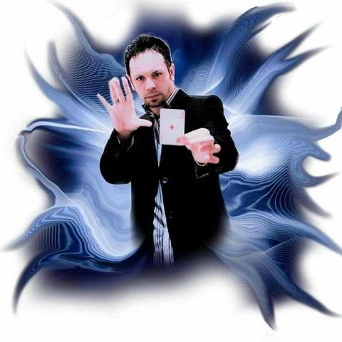 Glenn Fielding - Close up Illusionist Illusionist