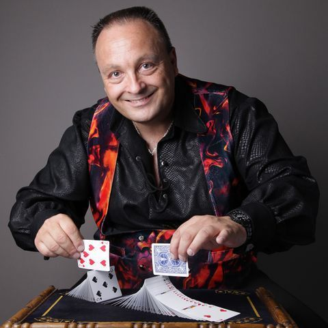 Nigel Francis Table Magician
