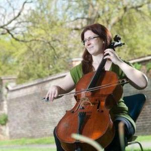 Leonie Adams Cellist