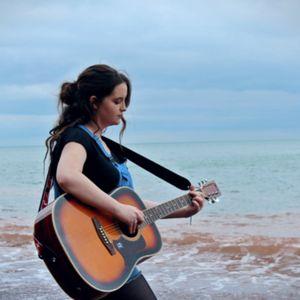 Aspen Lourdes Singing Guitarist
