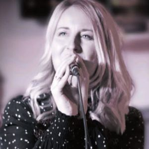 Alice Vane - Bespoke Singer Function & Wedding Music Band