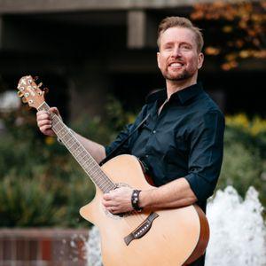 Phil Short Acoustic Singing Guitarist