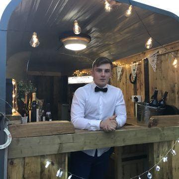 The Tipsy Jockey Cocktail Bar