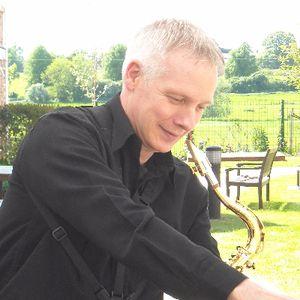 Simon the Sax Saxophonist