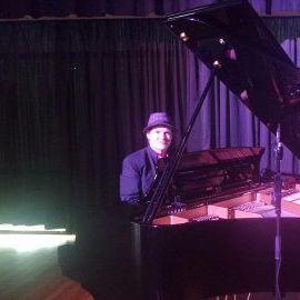 Dr Ivor E Keys Pianist