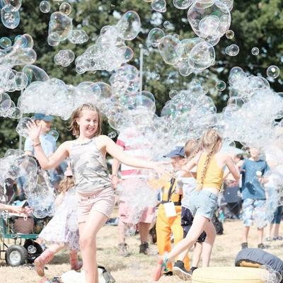 The Bubble Magician Children's Magician