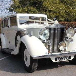 Cupid Carriages Vintage & Classic Wedding Car