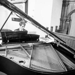 James Breckon Pianist