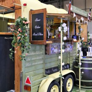 Horsebox Bar Wedding Catering