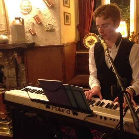 Nick Peat Singing Pianist
