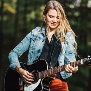 Chloe Jones Live Solo Singer