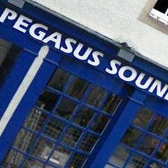 Pegasus Projector and Screen
